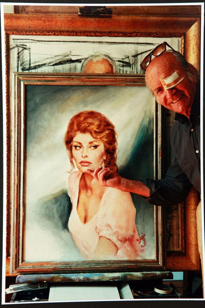 ritratto per la signora Mina Fabbri collezioniista di oggetti, foto e altro sulla Loren